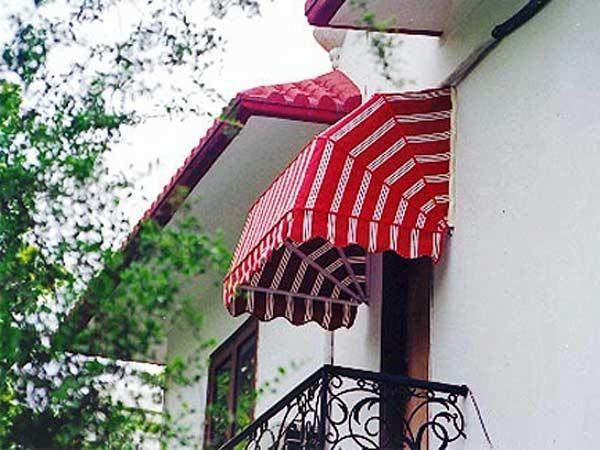 tende-per-balconi-e-terrazzi-braccia-estensibili | Nonsolotende